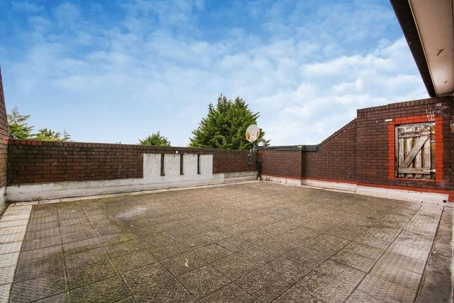 Thumbnail Flat to rent in Olley Close, Wallington