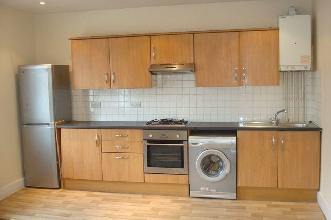 Thumbnail Maisonette to rent in Lakehall Road, Thornton Heath