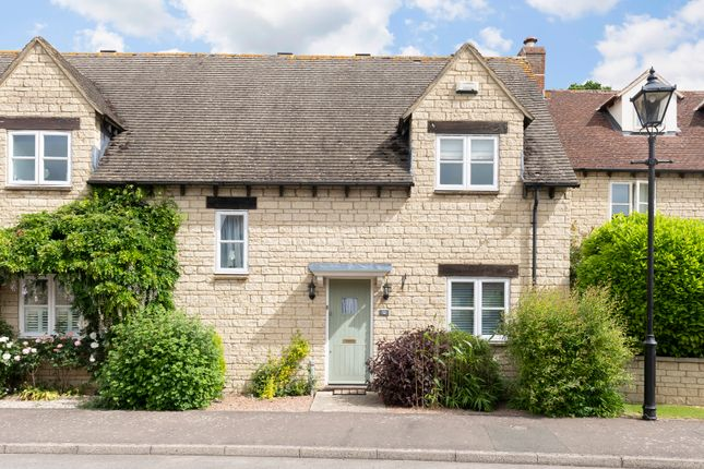 2 bed semi-detached house to rent in Hawthorn Drive, Bradwell Village, Burford OX18