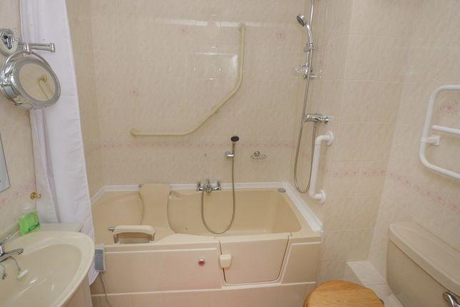 Bathroom/WC of Pinewood Court, Station Road, West Moors, Ferndown BH22
