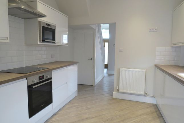 Thumbnail Property to rent in Redhills, Exeter