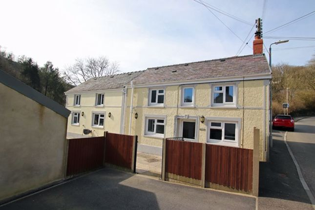 Thumbnail Cottage for sale in Cwmduad, Carmarthen