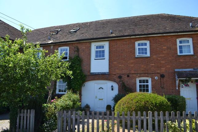 3 bed terraced house to rent in Mill Lane, Wateringbury, Maidstone ME18