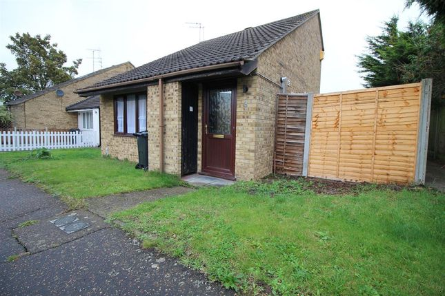 Thumbnail Terraced house to rent in Muswell Walk, Clacton-On-Sea