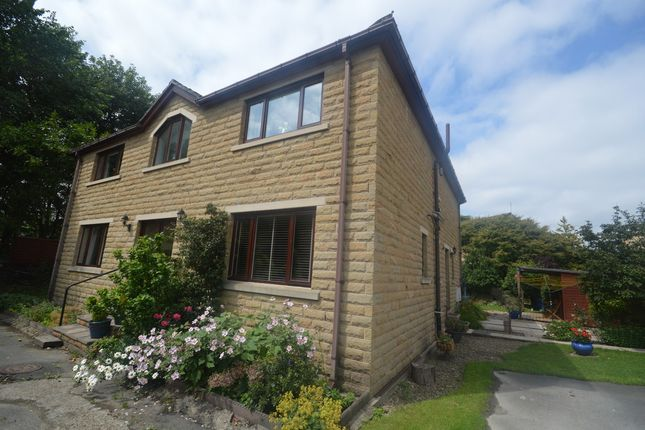 Thumbnail Detached house to rent in Wakefield Road, Fenay Bridge, Huddersfield