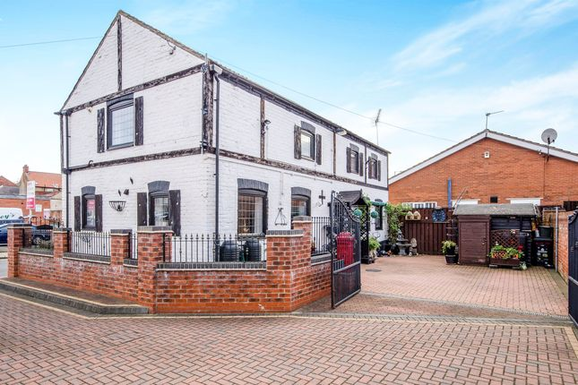 Thumbnail Detached house for sale in Horse Fair Green, Thorne, Doncaster