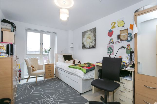 Bedroom of Garway Court, 1 Matilda Gardens, London E3
