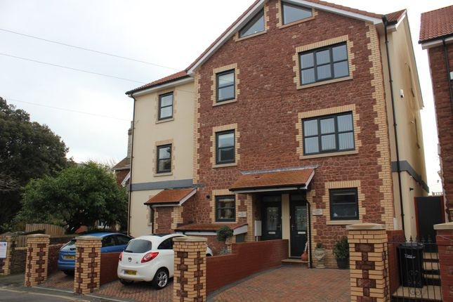 Thumbnail Town house for sale in Courtland Road, Paignton