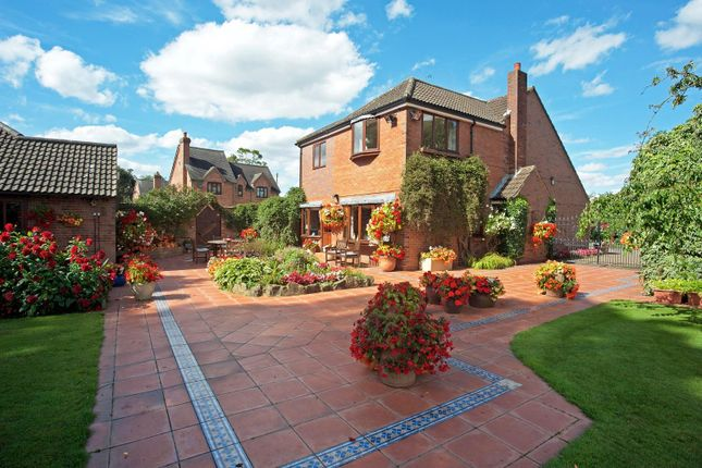 Thumbnail Detached house for sale in Baxterley, Warwickshire