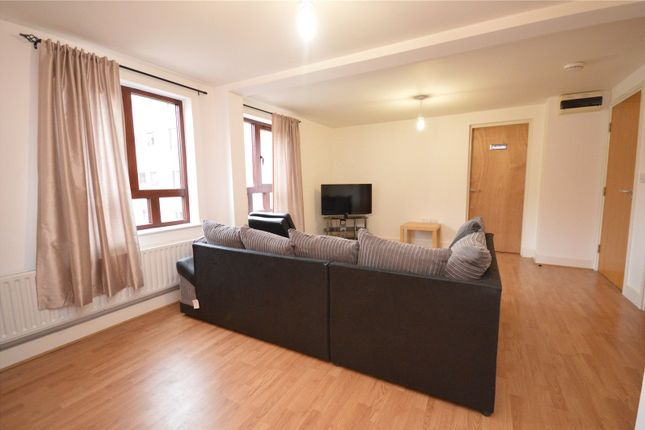 Picture No. 03 of Apartment 11, Read, Woodlands Village, Wakefield, West Yorkshire WF1