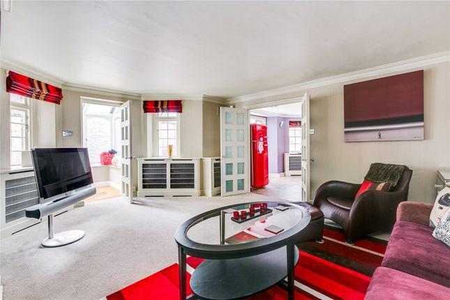 2 bedroom flat for sale in The Lodge, Mount Carmel Chambers, Kensington, London