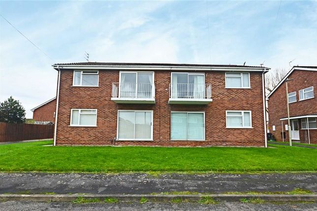 Thumbnail Maisonette to rent in Mowberry Close, Longlevens, Gloucester