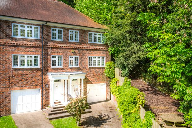 Thumbnail Property for sale in 29 Hillside, Whitchurch -On- Thames