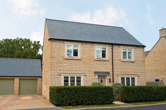 Thumbnail Detached house for sale in Jacobs Piece, Fairford
