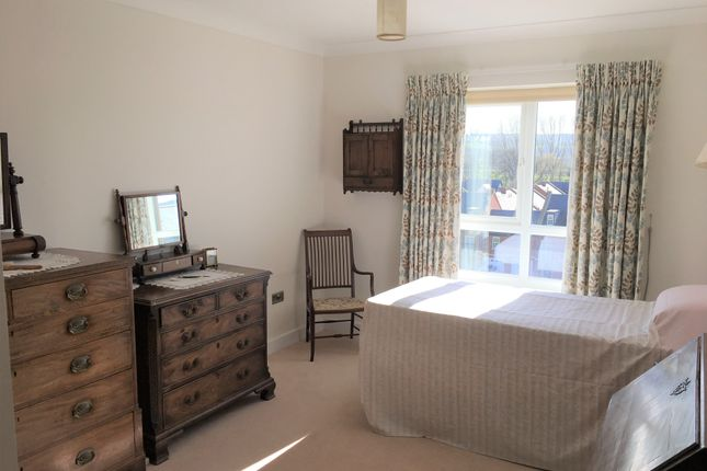 2 bedroom flat for sale in Abercromby House, Millbrook Village, Exeter