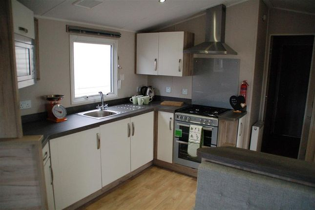 Thumbnail Mobile/park home for sale in Reach Road, St. Margarets-At-Cliffe, Dover, Kent