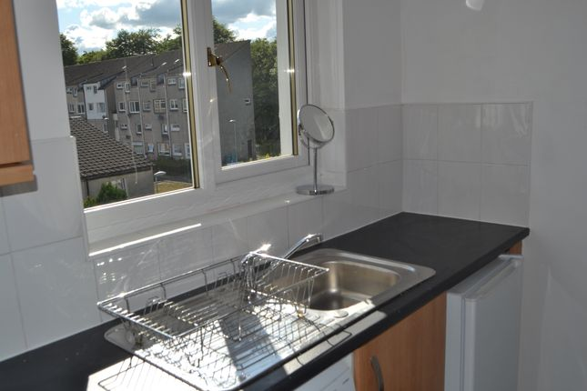 Kitchen of Spruce Road, Cumbernauld G67