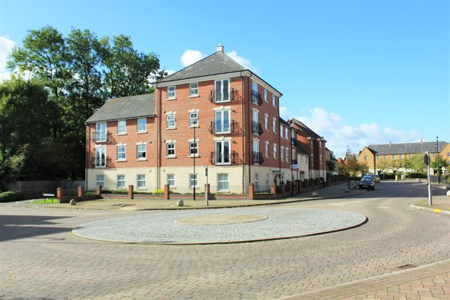 Thumbnail Flat for sale in Stonechat Road, Rugby