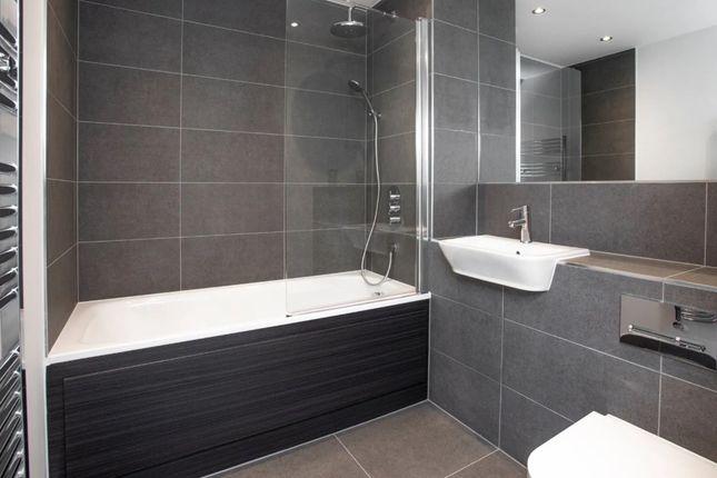 1 bedroom flat for sale in 33 Fielders Crescent, Barking