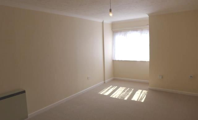 Thumbnail 1 bed flat to rent in Oakland Court, Fitzalan Road, Littlehampton, West Sussex