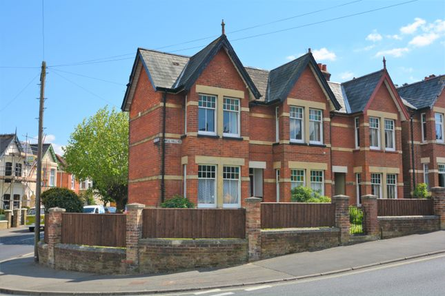 Thumbnail Flat to rent in 34 Mill Hill Road, Cowes