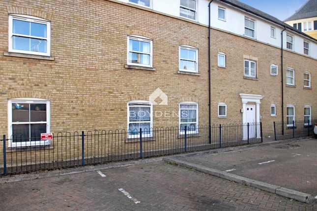 2 bed flat to rent in Gresley Drive, Braintree CM7