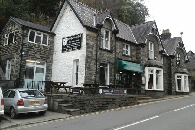 Thumbnail Restaurant/cafe for sale in Holyhead Road, Betws Y Coed