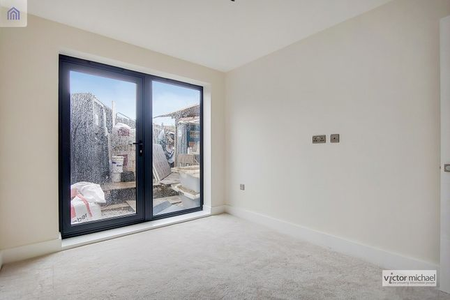 2 bed flat for sale in Cart Lane, London, Greater London. E4