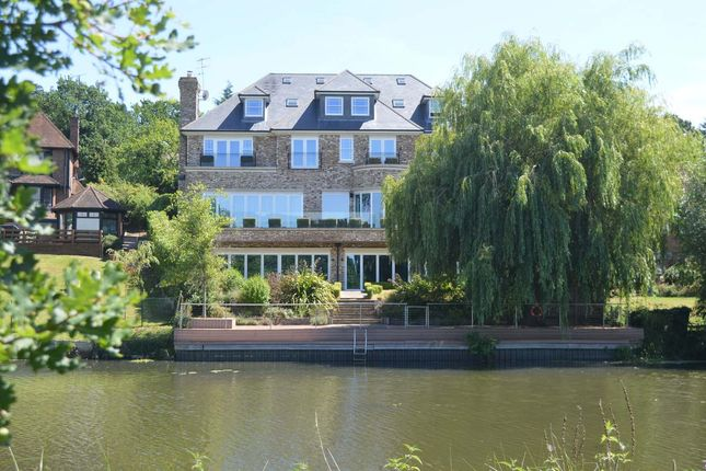 Thumbnail Detached house for sale in Pelhams Walk, Esher
