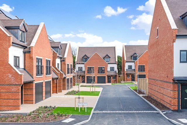 Thumbnail Semi-detached house for sale in Albertine Grove, West Wickham, 9Fa