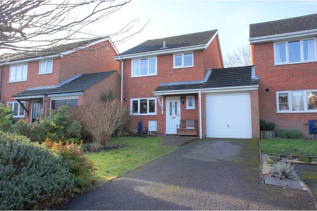 Thumbnail Link-detached house for sale in Barnard Close, Frimley