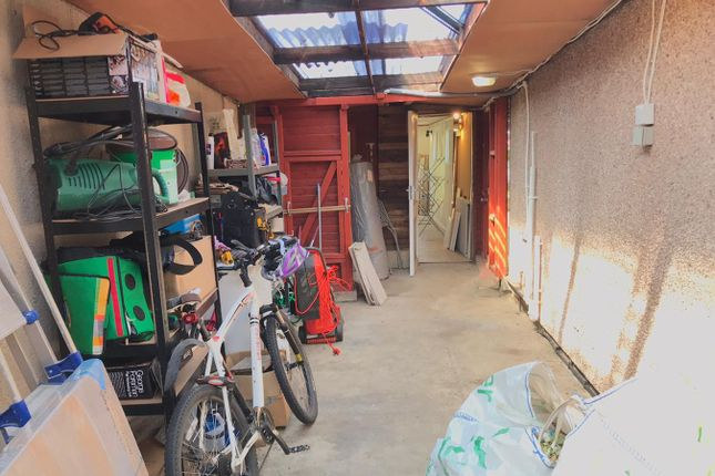 Storage Area of Stuart Way, Staines-Upon-Thames TW18