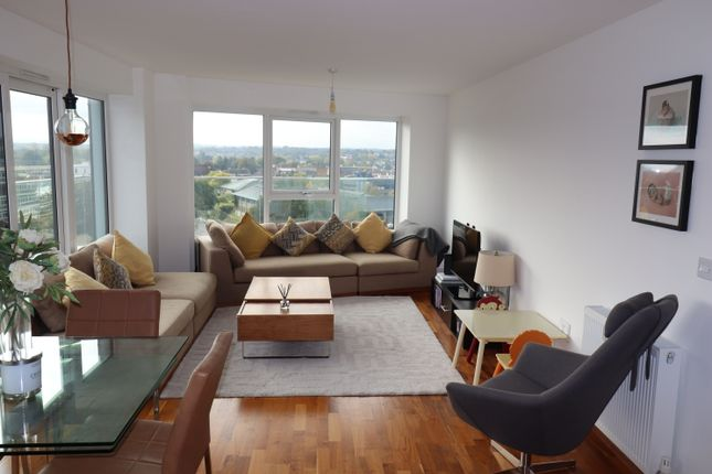 Thumbnail Flat for sale in Oldfield Place, Dartford