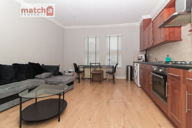 Thumbnail Flat to rent in Market Terrace, Albany Road, Brentford