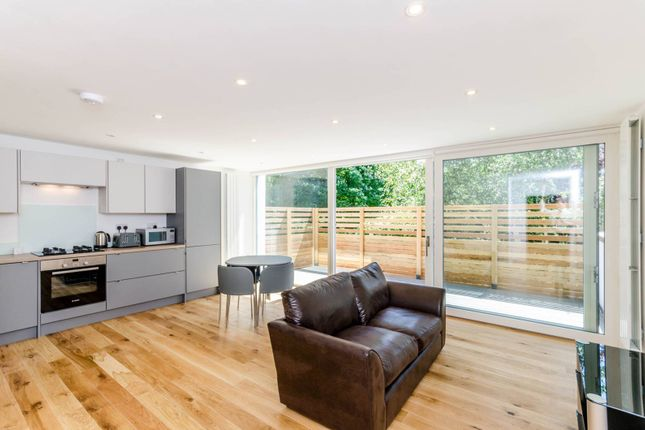 Thumbnail 2 bed flat to rent in St Johns Hill, St John's Hill, London