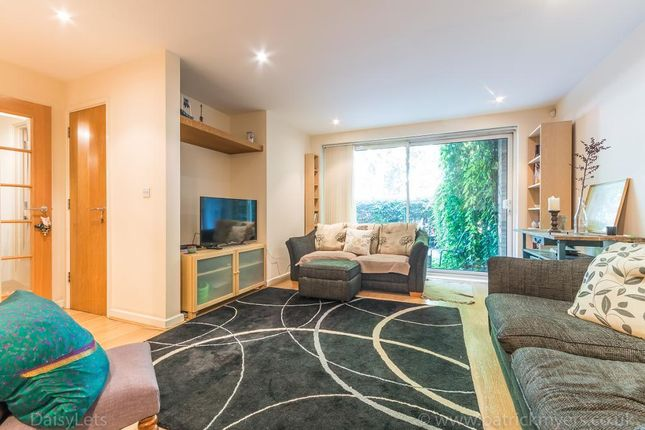 2 bed flat to rent in Altima Court, East Dulwich Road, East Dulwich, London