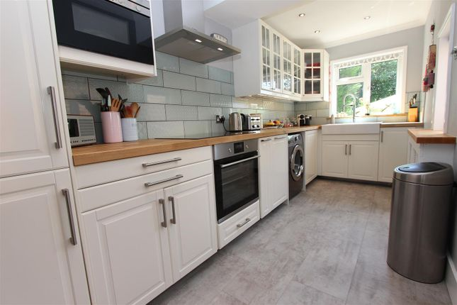 Terraced house for sale in Crescent Road, Old Town Borders, Hemel Hempstead