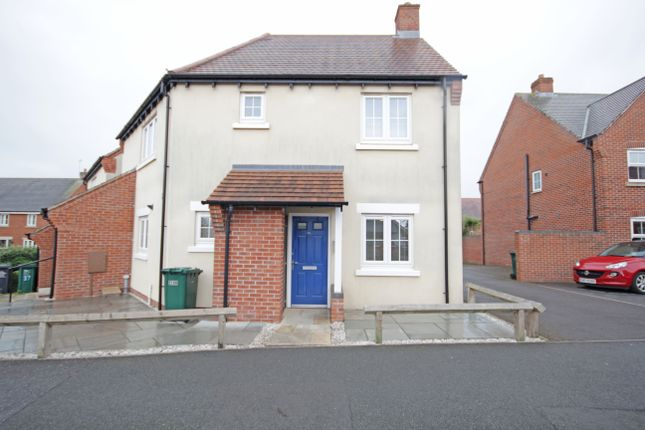 Thumbnail Flat to rent in Hope Way, Church Gresley, Swadlincote