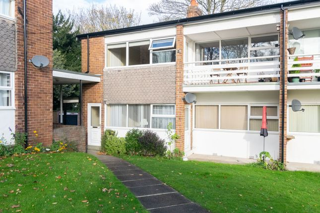 2 bed flat for sale in North Hill Close, Leeds LS8
