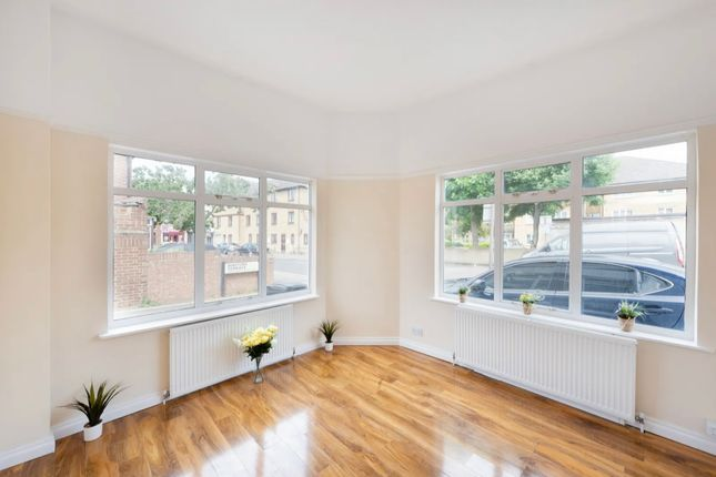 Thumbnail Flat for sale in Malyons Road, Ladywell Lewisham
