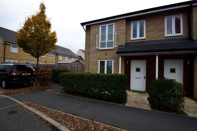 Thumbnail Flat to rent in Summer Drive, West Drayton