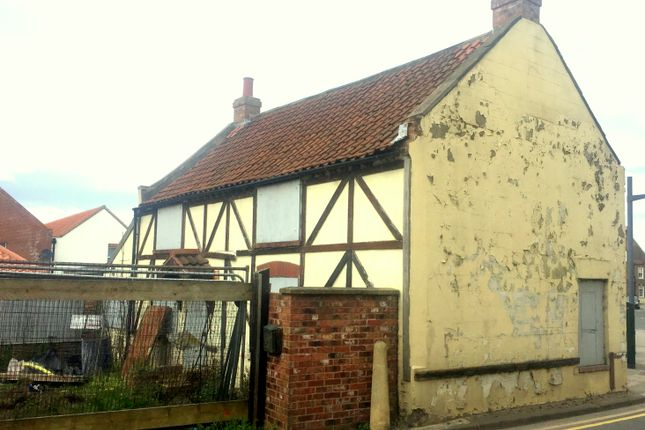 Thumbnail Land for sale in High Street, Scunthorpe