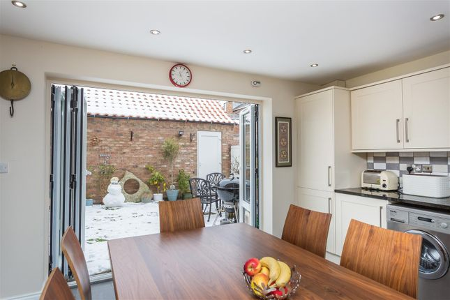 Thumbnail Town house to rent in Pulleyn Mews, York