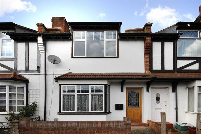 Thumbnail Property for sale in Hounslow Gardens, Hounslow