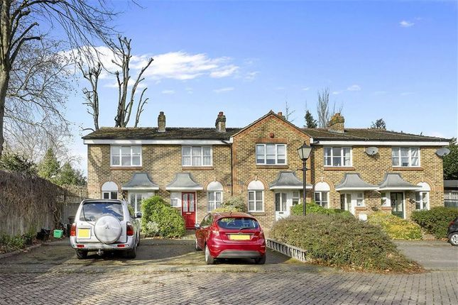 Thumbnail Property for sale in Parkside Close, Penge, London