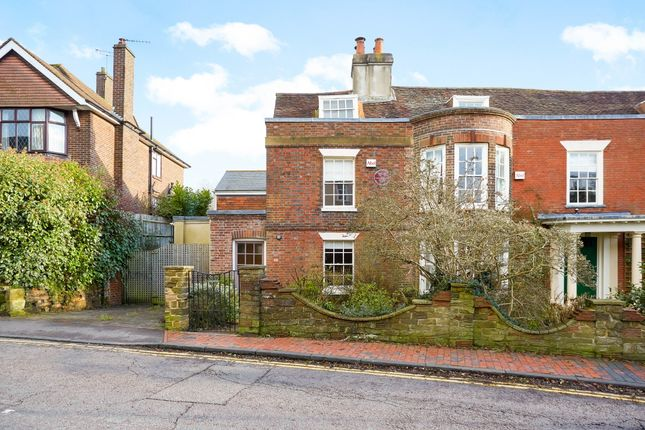 Thumbnail Semi-detached house to rent in Claremont Road, Tunbridge Wells