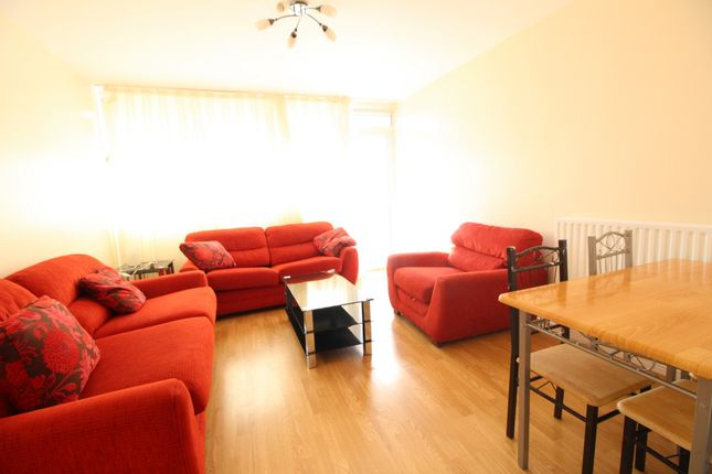 Thumbnail Flat to rent in Rowley Gardens, Woodberry Down, Finsbury Park