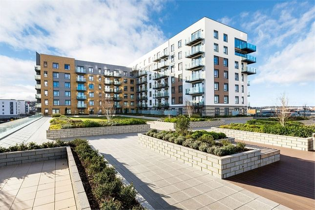 Thumbnail Flat for sale in Peninsula Quay, Victory Pier, Gillingham