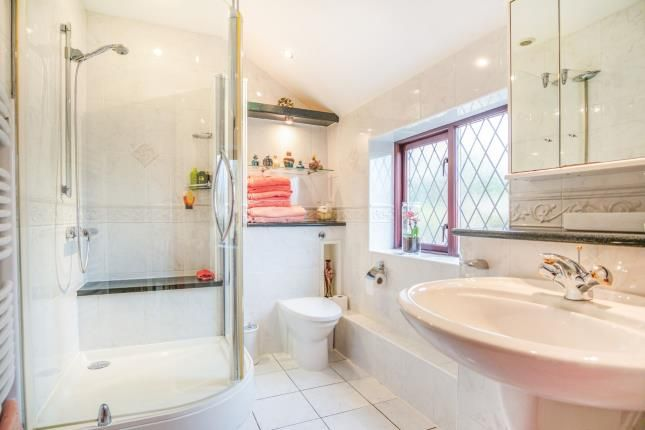 En-Suite One of Llanfaes, Beaumaris, Sir Ynys Mon LL58