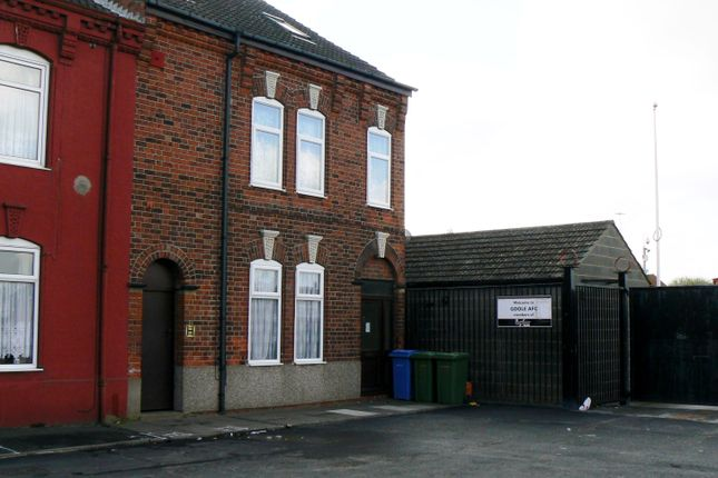 Thumbnail Flat to rent in Carter Street, Goole